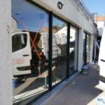 Travaux pour changer sa devanture de boutique par les Ateliers Michel en Loire-Atlantique