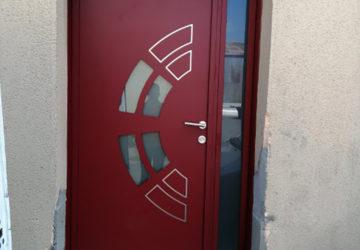 Poseur de porte d'entrée en alu à angers