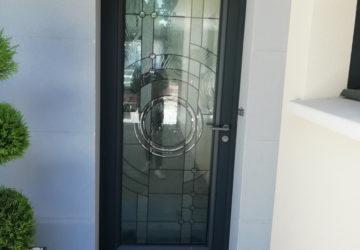 Installer une porte d'entrée moderne à Angers : Les Ateliers Michel