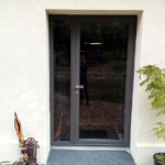 pose porte d'entrée vitrée Angers : entreprise de menuiserie les ateliers michel