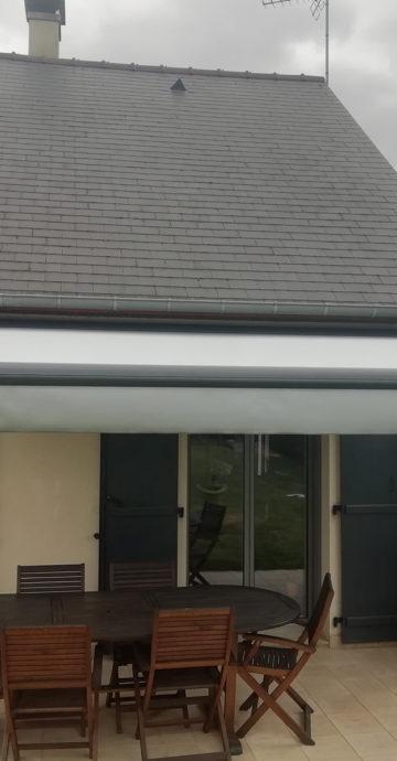 Installation de store sur une terrasse Maine-et-Loire