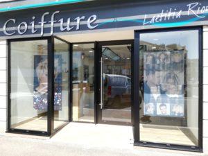 Rénovation devanture de salon de coiffure : Les Ateliers Michel Angers