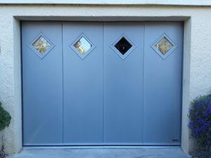 choisir une porte de garage latérale