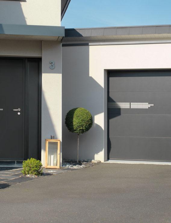 Quelle porte de garage choisir ? Basculante, sectionnelle, latérale, enroulable : avantages et inconvénients.