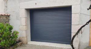 caractéristiques d'une porte de garage enroulable