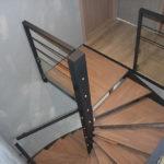 Exemple de pose d'un escalier hélicoïdale carré