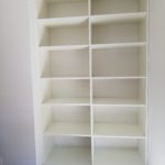 création d'étagères sur mesure pour un bureau à Angers