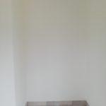 niche vide avant la création d'étagères sur mesure pour un bureau à Angers